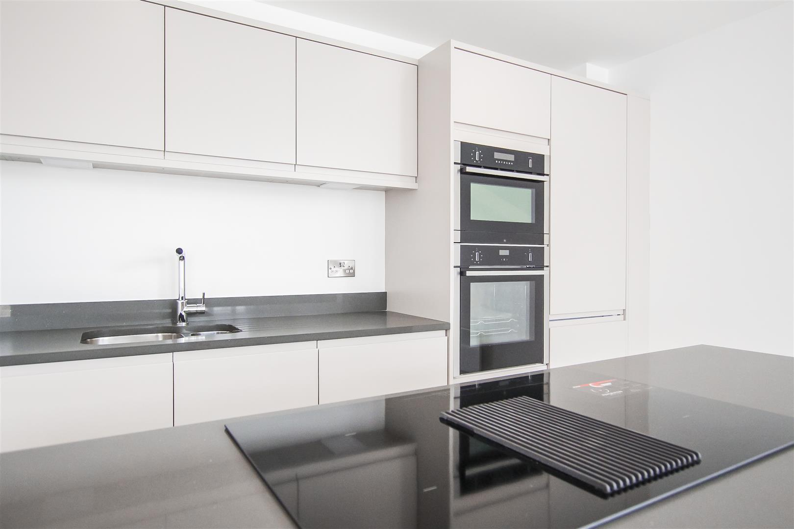 2 Bedroom Apartment For Sale - Image 15